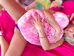 Anikka Albrite strips down in her teen style pink bedroom!video