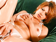 Sakura Kiryu rubs her great body and masturbates with a toyvideo